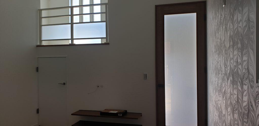 1階ロフト 地下室 壁掛けTV