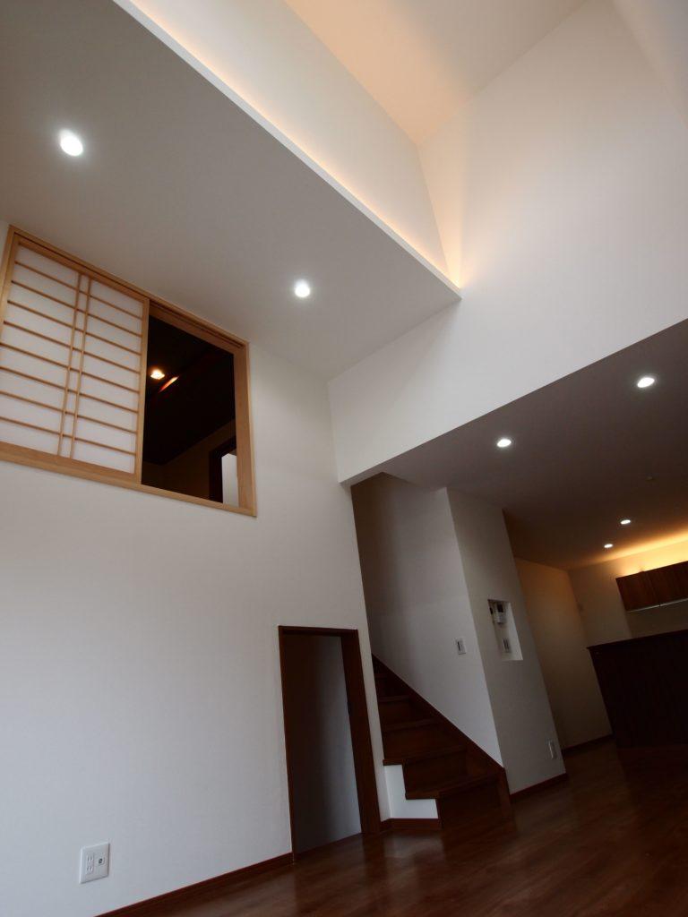 間接照明 リビング階段 地下室 1.5階和室