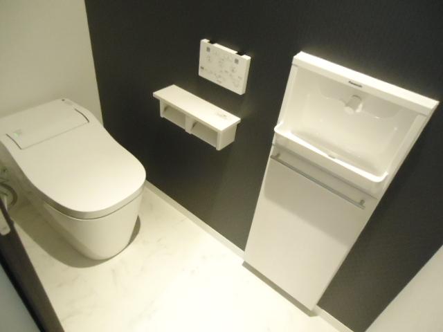 手洗い トイレ